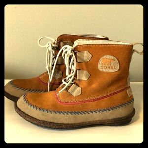 Sorel Joplin moccasin boot